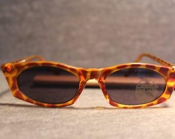 Vintage YAFONG Cat Eye Sunglasses