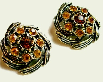 Topaz Amber Colored Rhinestone Antiqued Gold Tone Textured Clip On Earrings