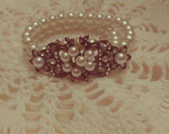 Handmade vintage style pearl bracelet