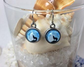 Howling wolf earrings