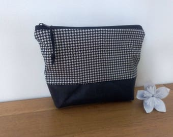 Black and white houndstooth print makeup case