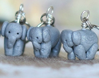 Elephant Stitch Markers herd of 4 Miniature Polymer Clay Sculpted Africa Animal Knit, Crochet Accessories Pachyderm