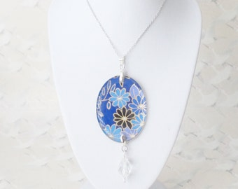 Blue sakura necklace, japanese flowers, medallion in resin, japanese paper and silver chain, sakura necklace, gift for her, japanese jewelry