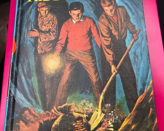 The Hardy boys hunting for hidden gold by Franklin W Dixon 1963 first edition Great Condition