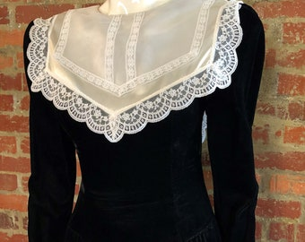 Vintage 90's Black Velvet Victorian Gothic Dress sz 9