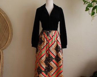 Psychedelic evelyn pearson 60s 70s vintage velvet top and polyester quilt bottom dress long wear house dress