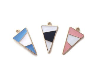 2 pendants Triangle enamel gilt 2.9 cm / geometric