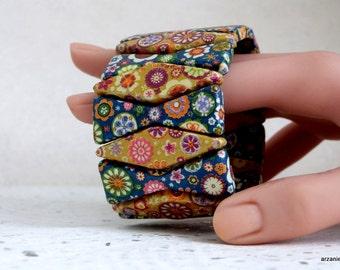 Fancy bracelet blue and gold - floral - printed cuff bracelet fancy blue and gold - floral printed Bracelet cuff bracelet.