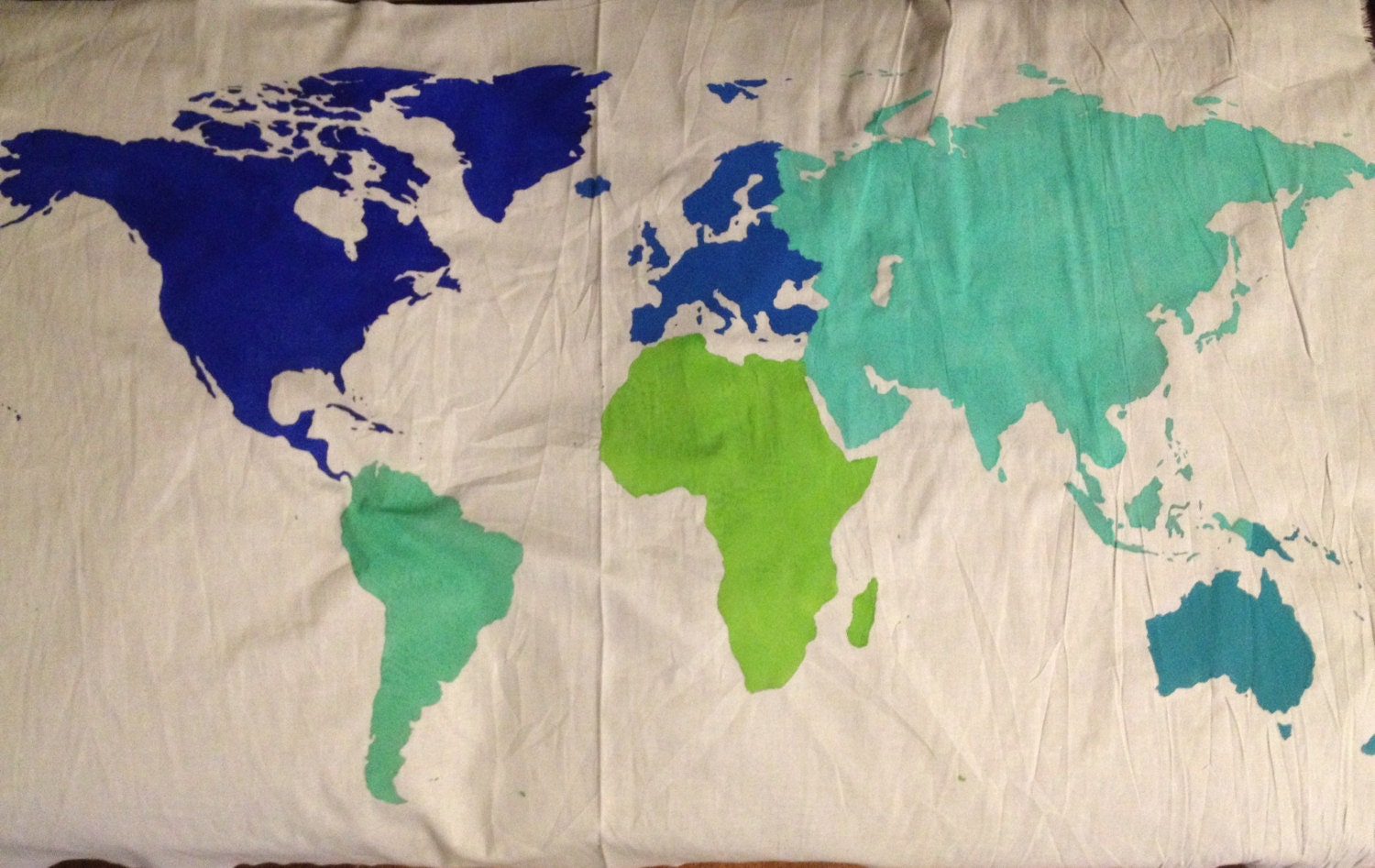 World map wall tapestry in multi color stomizable zoom gumiabroncs Gallery