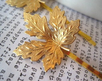 Gold Maple Leaf Hair Pin, Leaf Bobby Pin, Raw Brass Leaf, Woodland Hair Accessory, Fall Wedding, Nature, Maple Trees, Canada, Bridal Hairpin