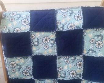Navy & Floral Rag Quilt, Floral bedding