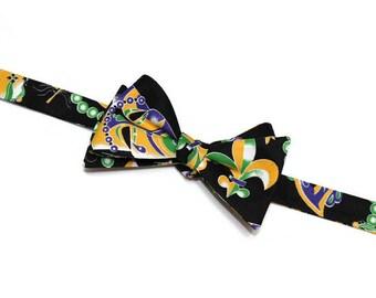 Mardi Gras Bow Tie~Mens Self Tie Bow Tie~Anniversary Gift~Purple Green Bow Tie~Mardi Gras~