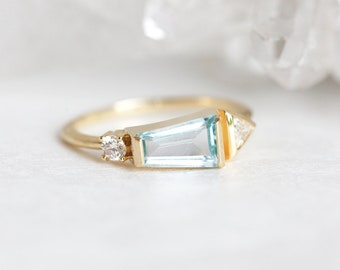 Geometric Engagement Ring, Aquamarine Ring, Gold Cluster Ring, Diamond Aquamarine Ring, 14k gold ring, One of a kind engagement ring