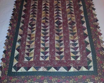 Quilted Wall Hanging in Brown/Tan