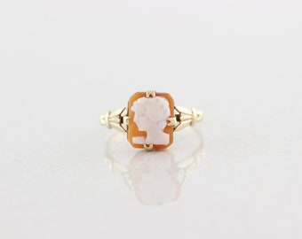 9K Yellow Gold Cameo Ring Size 5 3/4