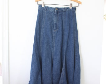 vintage blue denim chambray skirt with pockets