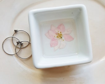 Trinket Dish with Flowers, Small Ring Organizer, Jewelry Storage, Square Ring Dish, Minimalist Ring Holder, Flower Bowl, Nature Lover Gift
