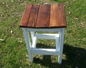 Rustic Farmhouse Bar Height Stool with Contoured Barnwood Seats
