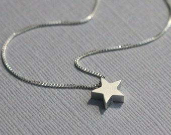 Star Necklace, Silver Star Necklace, Christmas Necklace, Gift for Daughter, Daughter Gift, Gift for Her, Little Girl Necklace, Gift for Mom