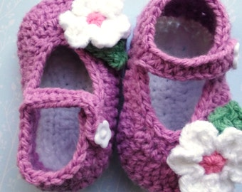 crochet baby shoes, crochet Mary Janes; plum handmade baby shoes, baby girl shoes baby booties, flower baby shoes; ready to ship, uk seller