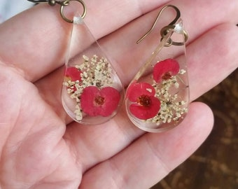 Real dried flower earrings - resin jewelry - flower earrings - botanical jewelry - nature jewelry