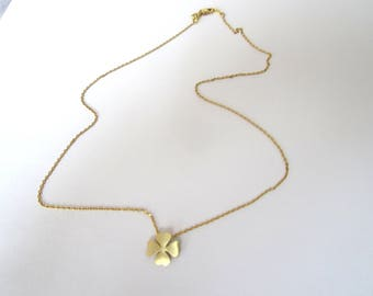 Necklace minimalist gold clover