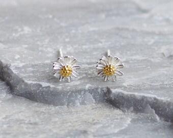 Daisy Flower stud Earrings, Flower earrings
