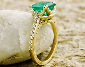Cushion Cut Emerald Engagement Ring in 14K Yellow Gold with Diamonds and Scrolls on Basket Size 6