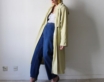 April / Trench coat with adjustable hood / light green vintage raincoat / size S-M / minimalist