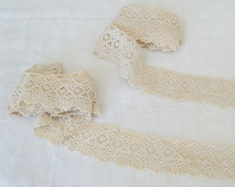 Wide French vintage lace