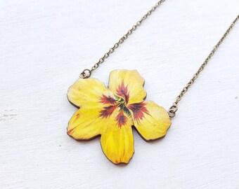 Flower necklace Yellow flower necklace. Vintage flower necklace flower jewellery. Flower jewellery gardener gift. Floral necklace statement