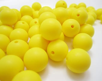 12mm - Lot of 10 Yellow Silicone Beads