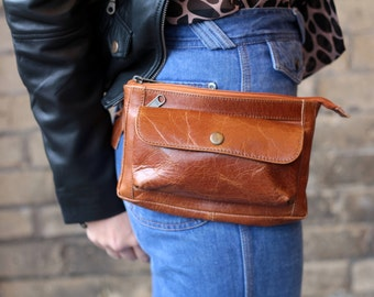 Neus Tan Leather Bumbag