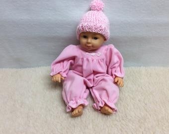Doll or preemie hat