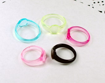 40pcs  Assorted Color Plastic Transparent Ring Base  with 8mm Pad Cameo Setting