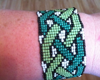 Handmade Beaded Celtic Knot Bracelet