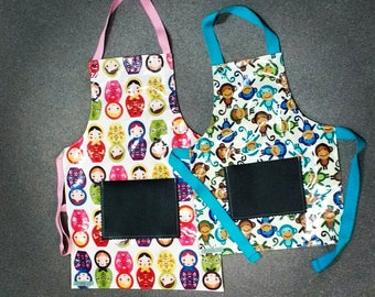 Waterproof apron with chalk board pocket