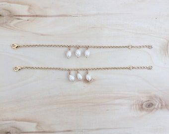 FREE SHIPPING - Delicate 24k gold plated chain bracelet with fresh water pearls - summer - spring
