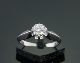 reserved!!!! Art deco diamond solitaire flower ring