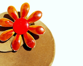 vintage 1960s FLOWER POWER love child FLORALoversized  brooch