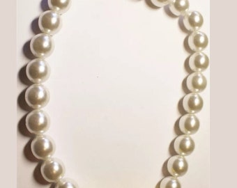 Unworn Vintage Made in Italy Large Faux Pearl & Goldtone Beaded Statement Necklace