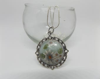Daisies on A Chain (Round)