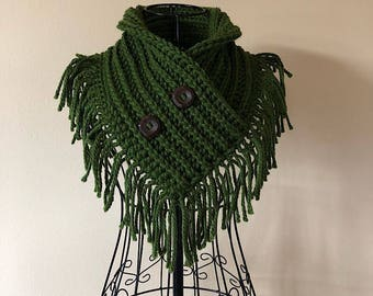Fringed Cowl, Infinity Scarf, Infinity Cowl, Wood Buttons, Fringe, Triangle Cowl, Chunky Knit, Crochet, Hand Knit, Bulky Yarn, Knitwear