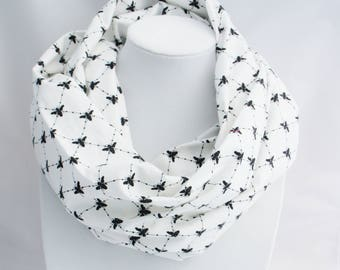 LOOP SCARF with  BEES diamond with and black, bee scarf, fall scarf, cotton scarf, girl scarf, circle scarf, boho scarf, printed scarf