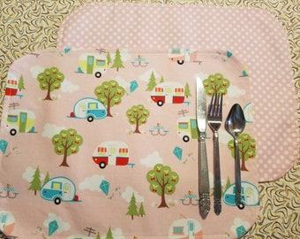 Set of 2 Placemats with Vintage Trailer Print