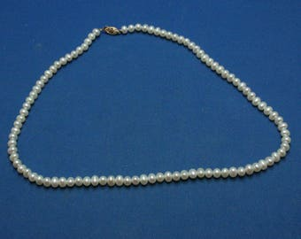 Vintage Freshwater Cultured Pearl Bead Necklace 14K Clasp Wedding Prom Graduation Formal