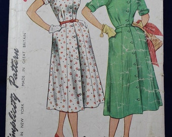 1950's Sewing Pattern for a Dress in Size 20 - Simplicity 4731