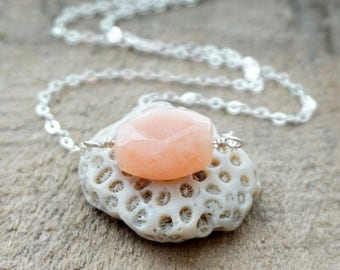 Faceted Peach Moonstone Choker on Sterling Silver Chain - Choker Necklace, Peach Moonstone Necklace, Layering Necklace, Layering Jewelry