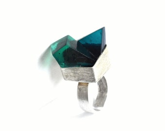 Sterling silver and green resin geometric statement ring. Minimalist design cube ring.