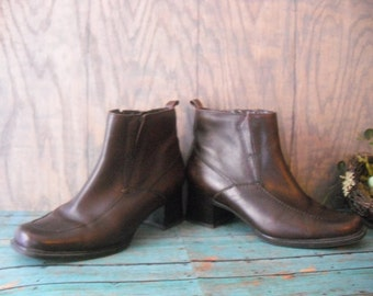 Vintage Brown Leather Ankle boots Womens Size 8 BORELLI ~ chunky heels